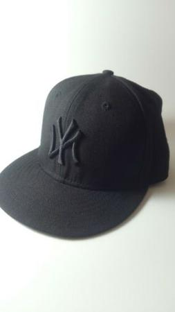 New Era 5950 NY NEW YORK YANKEES Black on Black Cap 6 5/8 ML