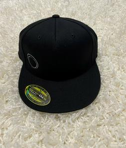 ORIGINAL FITTED BASEBALL CAP 210 BY FLEX FIT COLOR BLACK